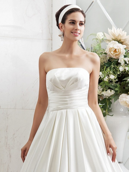 Princess A-Line Wedding Dresses Strapless Sweep \ Brush Train Satin Sleeveless_3