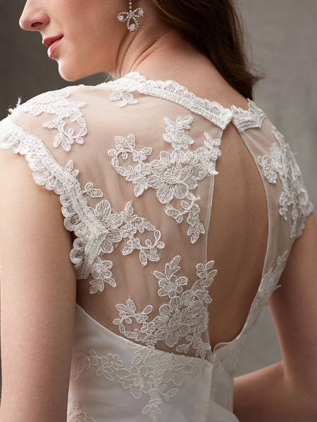 A-Line Wedding Dresses Jewel Neck Knee Length Floral Lace Cap Sleeve Casual See-Through Backless_10