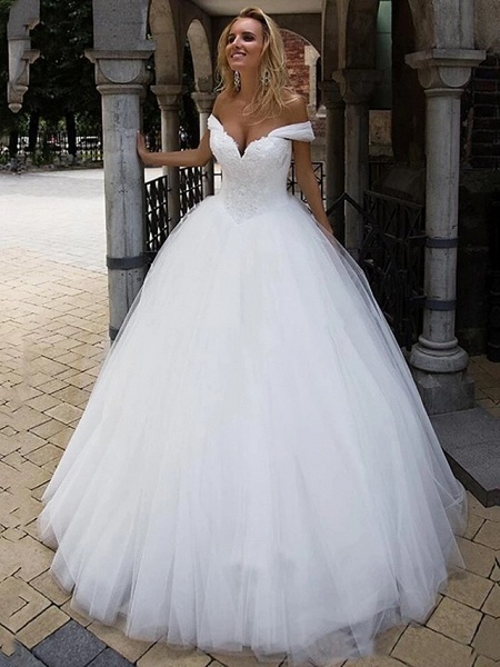 Ball Gown Wedding Dresses Off Shoulder Chapel Train Tulle Short Sleeve_3