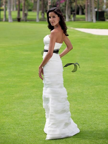 Mermaid \ Trumpet Wedding Dresses Strapless Floor Length Organza Satin Sleeveless Wedding Dress in Color_6