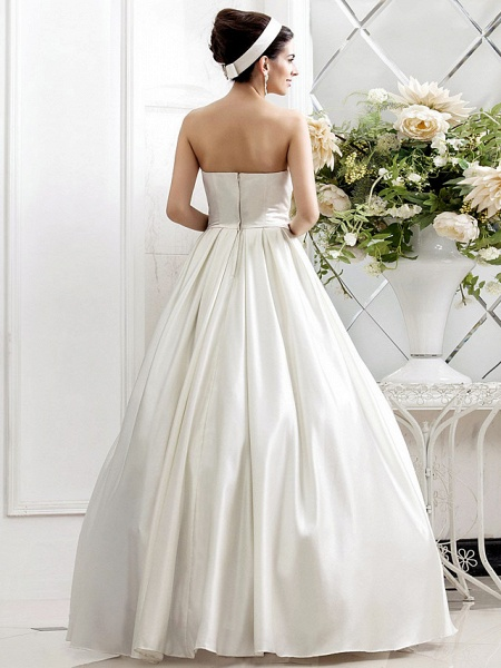 Princess A-Line Wedding Dresses Strapless Sweep \ Brush Train Satin Sleeveless_2