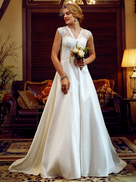Ball Gown Wedding Dresses V Neck Court Train Lace Taffeta Cap Sleeve Country Vintage See-Through Illusion Detail Backless_5