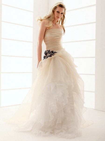 Princess A-Line Wedding Dresses Strapless Floor Length Organza Sleeveless Wedding Dress in Color_4