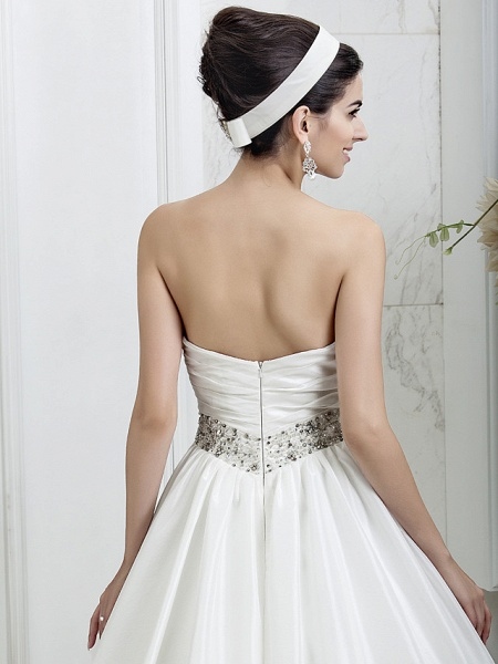 Princess A-Line Wedding Dresses Sweetheart Neckline Court Train Taffeta Sleeveless_6