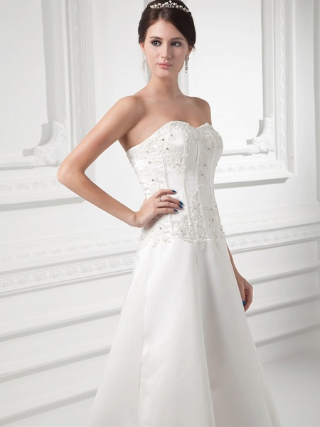 A-Line Sweetheart Neckline Court Train Satin Strapless Wedding Dresses_4