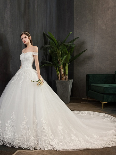 Ball Gown Wedding Dresses Off Shoulder Watteau Train Lace Tulle Polyester Short Sleeve Romantic_2