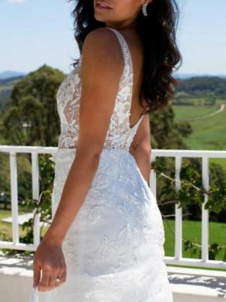 A-Line Wedding Dresses V Neck Sweep \ Brush Train Lace Regular Straps_2