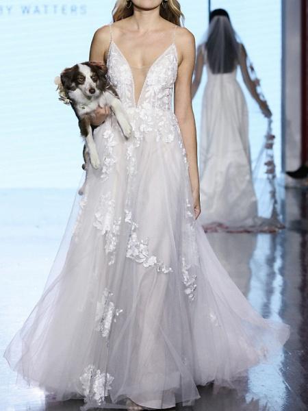 A-Line Plunging Neck Sweep \ Brush Train Tulle Polyester Sleeveless Boho Plus Size Wedding Dresses_1