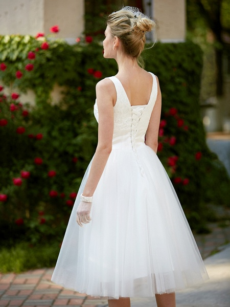 A-Line Wedding Dresses Square Neck Knee Length Lace Tulle Regular Straps Simple Casual Vintage Plus Size Cute_8