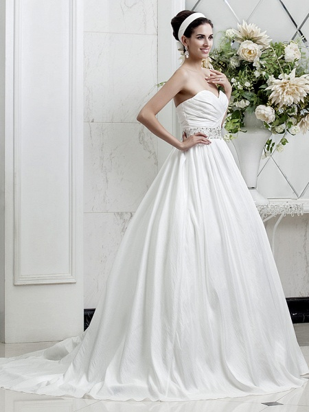 Princess A-Line Wedding Dresses Sweetheart Neckline Court Train Taffeta Sleeveless_2