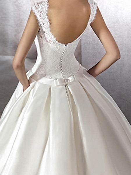 A-Line Jewel Neck Chapel Train Lace Tulle Polyester Cap Sleeve Plus Size Wedding Dresses_4