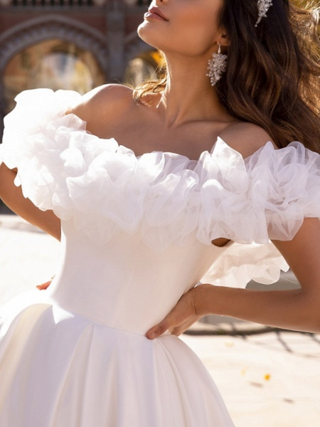 Ball Gown Wedding Dresses Off Shoulder Sweep \ Brush Train Satin Tulle Short Sleeve Formal_3