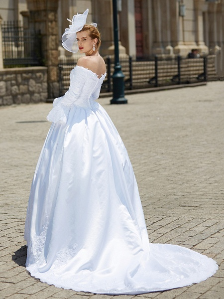 Ball Gown V Neck Chapel Train Satin Long Sleeve Wedding Dresses_2
