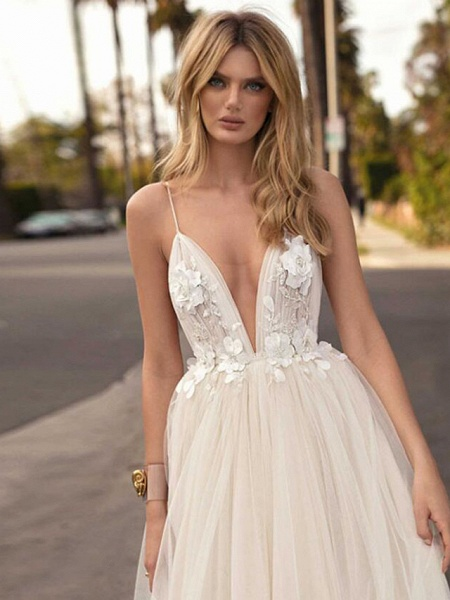 A-Line Wedding Dresses V Neck Court Train Tulle Spaghetti Strap Romantic Casual Boho Illusion Detail Backless_3