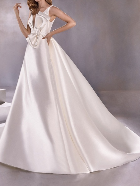 A-Line Wedding Dresses Plunging Neck Sweep \ Brush Train Satin Sleeveless Vintage Plus Size_1
