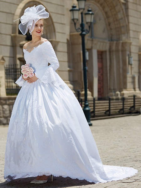 Ball Gown V Neck Chapel Train Satin Long Sleeve Wedding Dresses_6