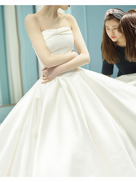 A-Line Wedding Dresses Strapless Cathedral Train Chiffon Strapless_5