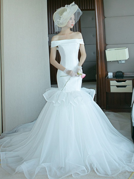 Mermaid \ Trumpet Wedding Dresses Off Shoulder Court Train Tulle Polyester Short Sleeve Plus Size_5
