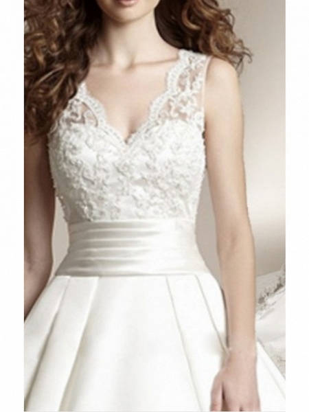 A-Line Wedding Dresses V Neck Court Train Lace Regular Straps_3