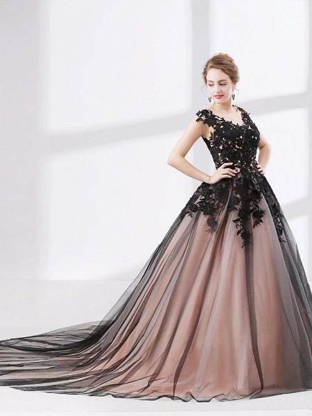 Ball Gown Wedding Dresses V Neck Court Train Lace Tulle Cap Sleeve Sexy Plus Size Black Modern_2