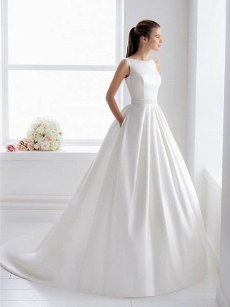 Ball Gown Wedding Dresses Bateau Neck Court Train Lace Polyester Regular Straps Elegant