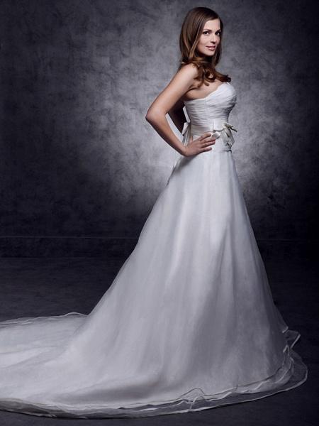 Princess A-Line Wedding Dresses Strapless Sweetheart Neckline Court Train Organza Satin Sleeveless_5