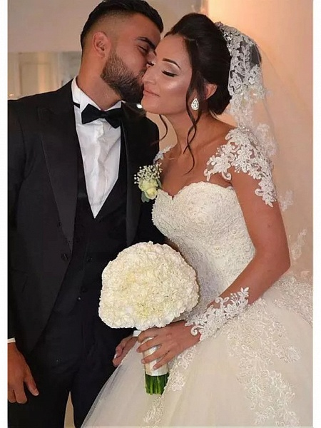 Ball Gown Wedding Dresses Sweetheart Neckline Floor Length Lace Tulle Long Sleeve Romantic Illusion Detail_4