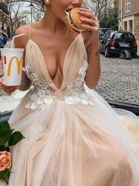 A-Line Wedding Dresses V Neck Court Train Chiffon Tulle Spaghetti Strap Boho_1