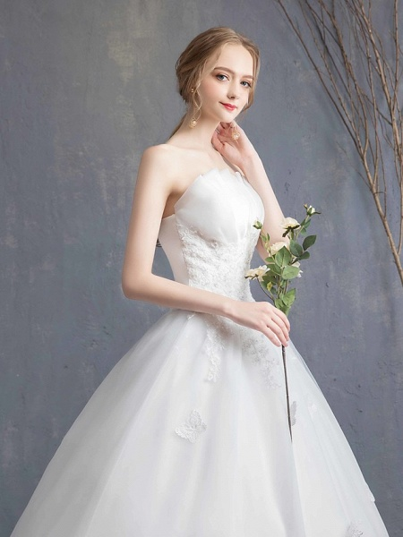 Ball Gown Wedding Dresses Strapless Chapel Train Lace Tulle Lace Over Satin Strapless Formal Vintage Illusion Detail_8