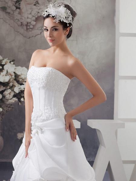 A-Line Strapless Court Train Satin Strapless Wedding Dresses_4