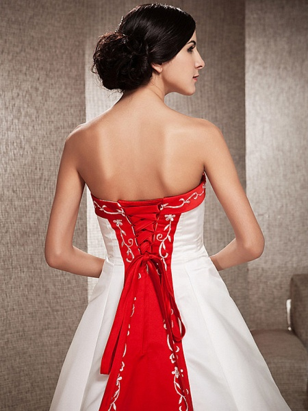 Ball Gown Wedding Dresses Strapless Sweep \ Brush Train Satin Strapless Glamorous Plus Size Red_5