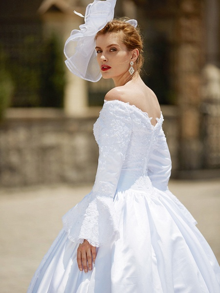 Ball Gown V Neck Chapel Train Satin Long Sleeve Wedding Dresses_11