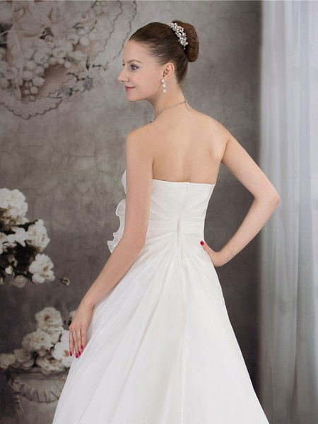 A-Line Strapless Chapel Train Taffeta Strapless Wedding Dresses_5