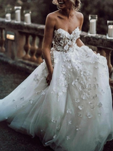 A-Line Wedding Dresses Strapless Sweep \ Brush Train Lace Tulle Sleeveless Beach Sexy Backless_1