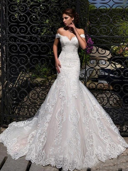 Mermaid \ Trumpet Off Shoulder Court Train Lace Strapless Formal Simple Casual Wedding Dresses_1