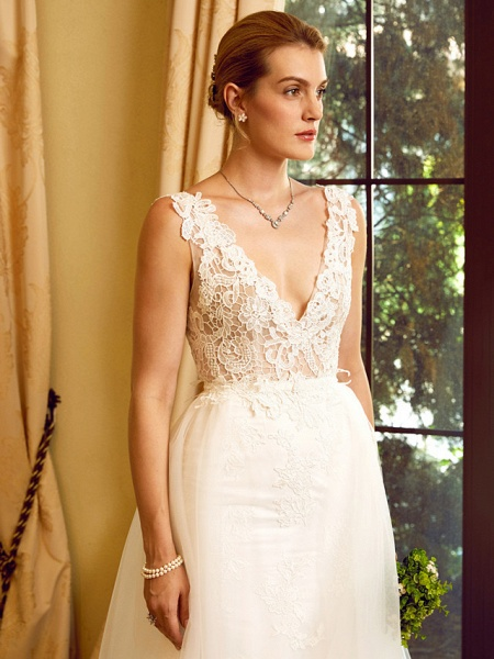 Sheath \ Column V Neck Chapel Train Lace Tulle Regular Straps See-Through Wedding Dresses_8