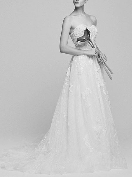 A-Line Wedding Dresses Sweetheart Neckline Court Train Lace Tulle Strapless Romantic Backless_4