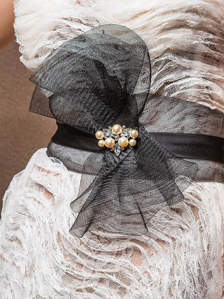 Mermaid \ Trumpet Sweetheart Neckline Court Train Lace Satin Tulle Sleeveless Wedding Dress in Color Wedding Dresses_5