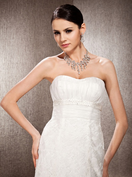Princess A-Line Wedding Dresses Sweetheart Neckline Court Train Lace Sleeveless Floral Lace_5