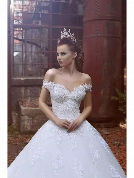 Ball Gown Wedding Dresses Off Shoulder Sweep \ Brush Train Lace Tulle Short Sleeve Glamorous Illusion Detail_2