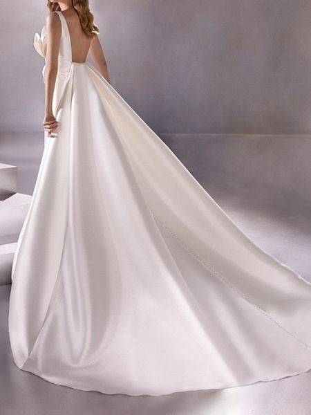 A-Line Wedding Dresses Plunging Neck Sweep \ Brush Train Satin Sleeveless Vintage Plus Size_2