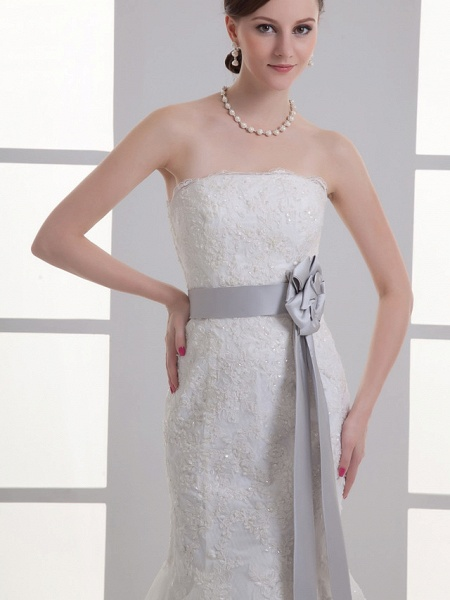 Mermaid \ Trumpet Strapless Chapel Train Lace Satin Strapless Wedding Dresses_4
