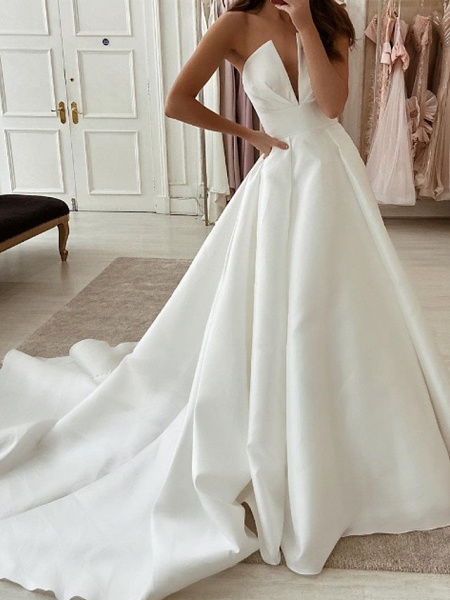 A-Line Wedding Dresses Strapless Sweep \ Brush Train Stretch Satin Sleeveless Country Plus Size_1