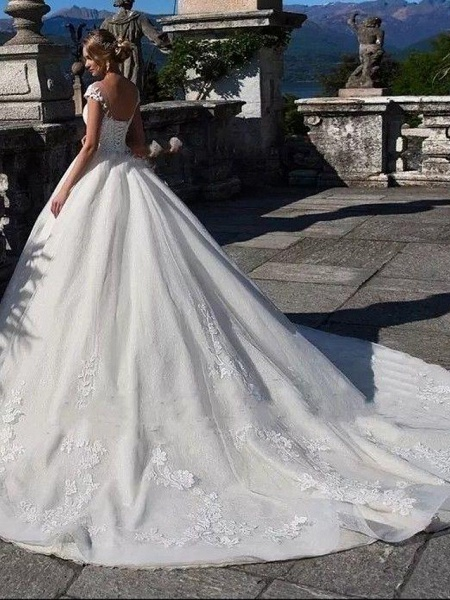Ball Gown Jewel Neck Chapel Train Lace Tulle Lace Over Satin Cap Sleeve Glamorous Illusion Detail Wedding Dresses_4
