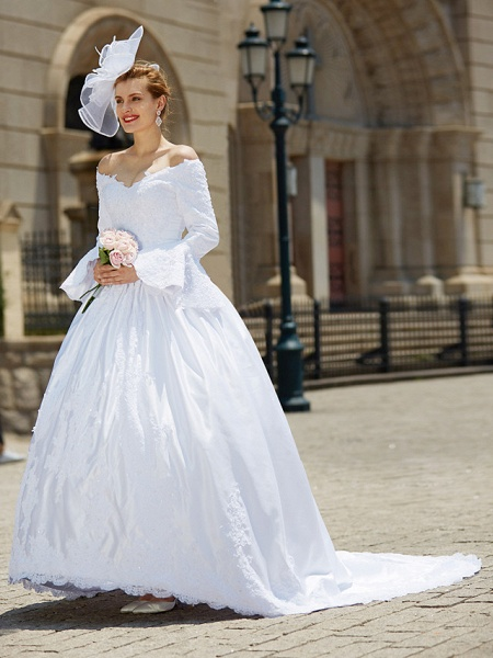 Ball Gown V Neck Chapel Train Satin Long Sleeve Wedding Dresses_3