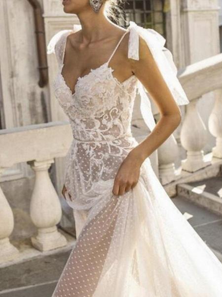 A-Line Wedding Dresses V Neck Sweep \ Brush Train Lace Spaghetti Strap_1