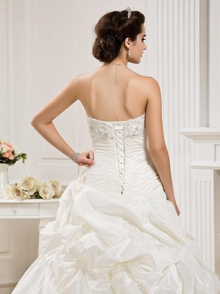 Ball Gown Sweetheart Neckline Court Train Taffeta Sleeveless Wedding Dresses_6