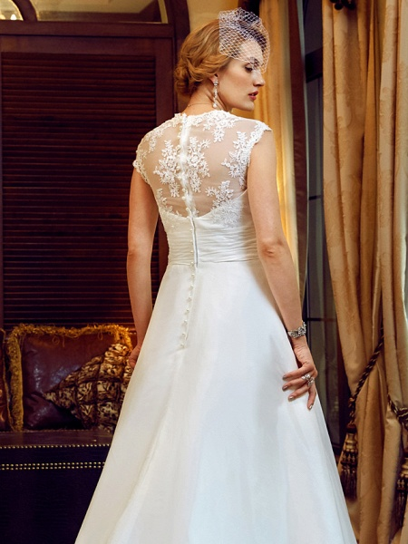 Ball Gown Wedding Dresses V Neck Court Train Lace Taffeta Cap Sleeve Country Vintage See-Through Illusion Detail Backless_8