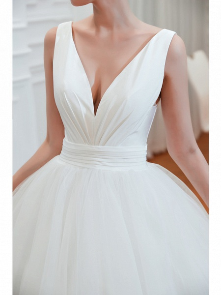 Ball Gown Wedding Dresses V Neck Court Train Tulle Regular Straps Simple Glamorous Backless_7