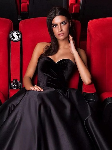 Ball Gown Strapless Court Train Tulle Polyester Strapless Sexy Plus Size Black Modern Wedding Dresses_3